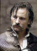 Viggo Mortensen critica a Almodóvar por no acudir a la gala de los Goya