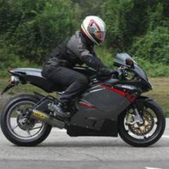 Foto 3 de 6 de la galería rumor-mv-agusta-f3-tricilindrica en Motorpasion Moto
