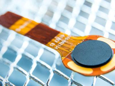 Este nuevo sensor de huellas es tan pequeño que cabe en las teclas de volumen de tu móvil