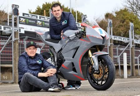 Rivales y ahora compañeros: John McGuinness y Michael Dunlop correrán juntos en el IOMTT 2018