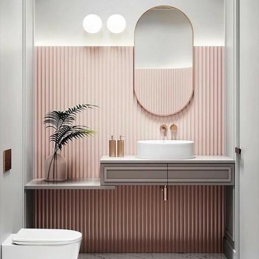 Diez baños que demuestran que un toque de rosa es lo que puede necesitar tu cuarto de baño para estar a la última