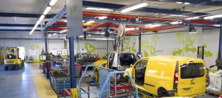 Factoría de Flins ReFactory economía circular retrofit coche eléctrico