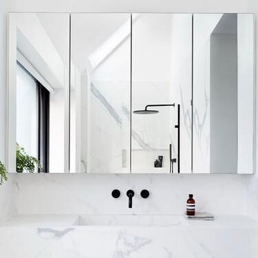 Muebles de almacenaje y accesorios muy prácticos para mantener el orden en el cuarto de baño