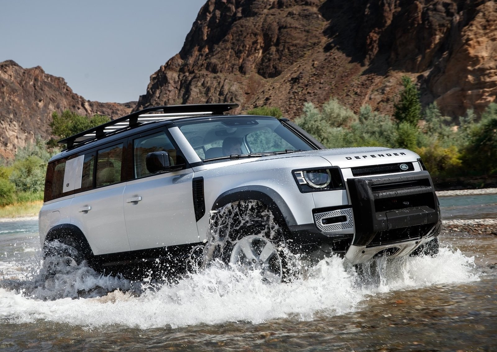 Foto de Land Rover Defender 2020 (39/60)