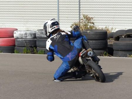 Casco Rojo Escuela Motociclismo