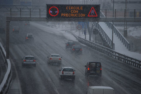 Caos circulatorio en Madrid por las nevadas