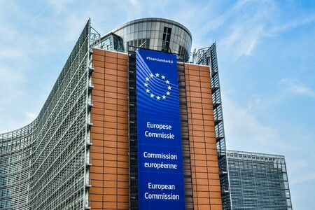 Qué está pasando con la Directiva del Copyright y la Ley Uribes: retrasos, multas y ningún cambio para el polémico artículo 17
