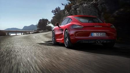 """Una abuela sale a rodar con todo lo que da su Porsche porque """"no podía dormir"""""""