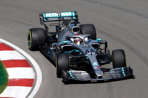 ¡Polémica en Canadá! Sebastian Vettel cruza primero la línea de meta pero la FIA decide que el ganador es Lewis Hamilton