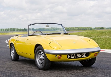 El Lotus Elan podría regresar para plantarle cara al Porsche Boxster