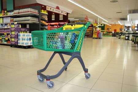 Si las familias aprenden a escoger bien el punto de venta, pueden llegar a ahorrar una media de 1000 euros al año