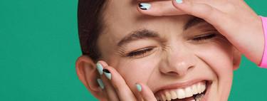 Maquillaje geométrico, cejas de purpurina y un nail art divertido: Bershka nos propone looks rompedores para poner en práctica