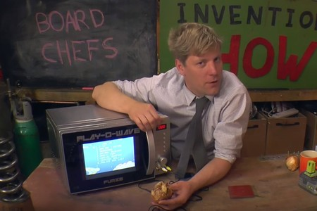 Play-o-Wave es el microondas con el que juegas y te preparas las palomitas a la vez
