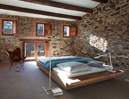 Mezcla de estilos r stico y moderno en una vivienda con for Casa moderna rustica