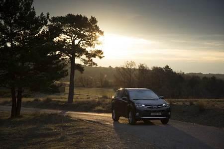 Toyota RAV4, todo lo que necesitas saber, los mejores vídeos y fotos (y II)