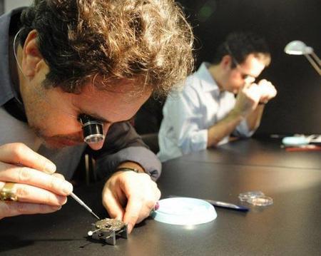 Relojería: aprende a montar y desmontar un movimiento simple en Ginebra