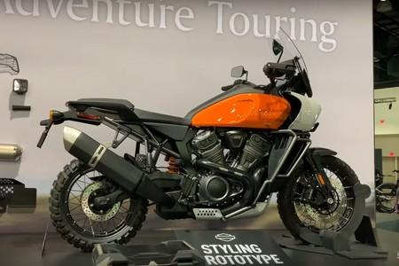 Así lucen por primera vez los prototipos de la Pan America y la streetfighter de Harley-Davidson