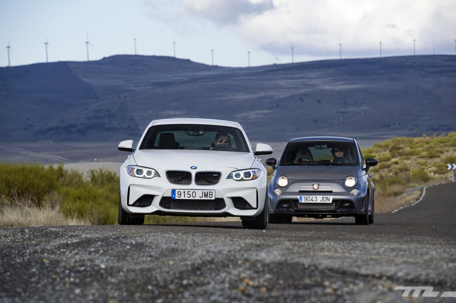 Foto de Abarth 695 Biposto vs BMW M2 (33/44)
