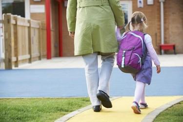 Ir al colegio andando es seguro si la vía es segura