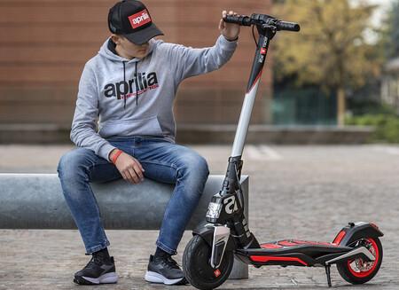 Los patinetes eléctricos deben estar asegurados en algunas ciudades, aunque no pueden ser sancionados por ello