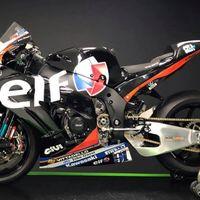 Leon Haslam vuelve al WSBK con una Kawasaki estilo retro muy especial en homenaje a su padre