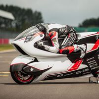 Esta moto eléctrica quiere ser la más rápida del mundo: más de 400 km/h con sólo 134 CV y un enorme agujero