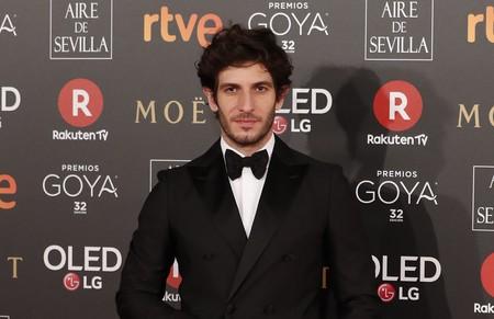 Quim Gutiérrez apuesta a los básico para un formidable look en los premios Goya 2018