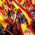Lo que pide Vox en su programa vs. lo que piensan los españoles: inmigración, Cataluña, género