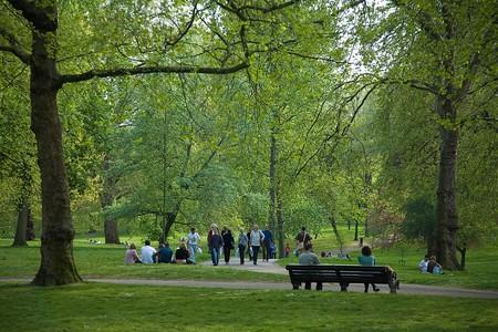 1080px Green Park London April 2007