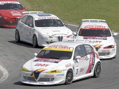 Antonio Chacón vence en la Alfa 147 Cup