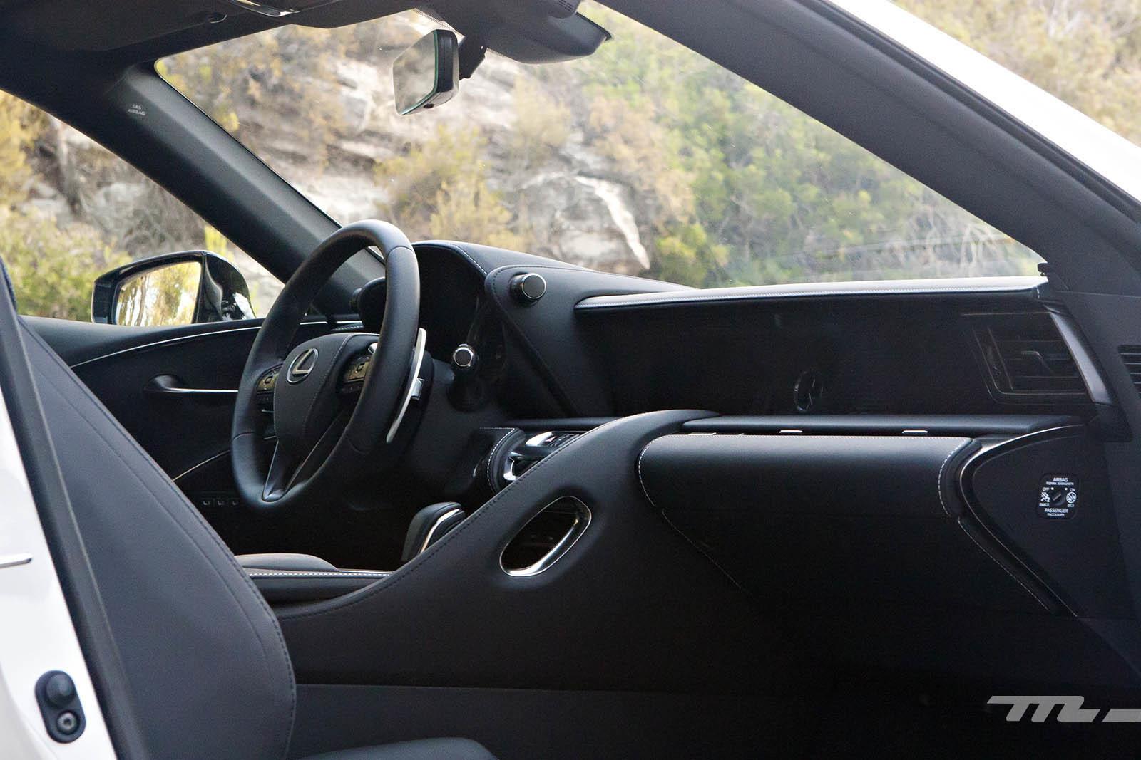 Foto de Lexus LC 500 (34/40)