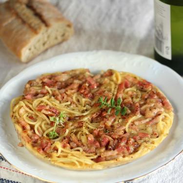 Frittata de espaguetis carbonara: receta muy fácil para darse un homenaje