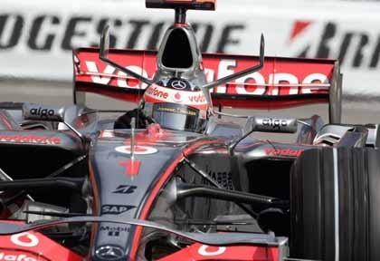 Alonso logra una valiosa pole en Mónaco