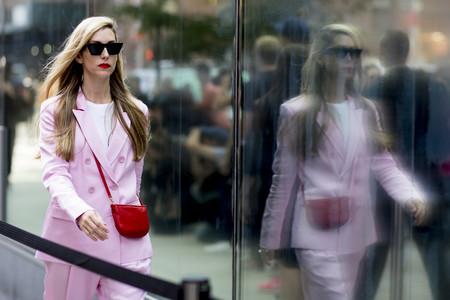 Estas son las 4 tonalidades favoritas para llevar un traje-pantalón, ¿te atreves a marcar la diferencia en el trabajo?
