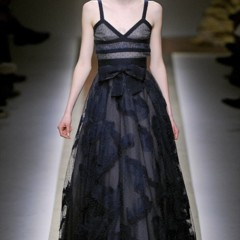 Foto 14 de 23 de la galería valentino-otono-invierno-20112012-en-la-semana-de-la-moda-de-paris-la-moda-esta-triste en Trendencias