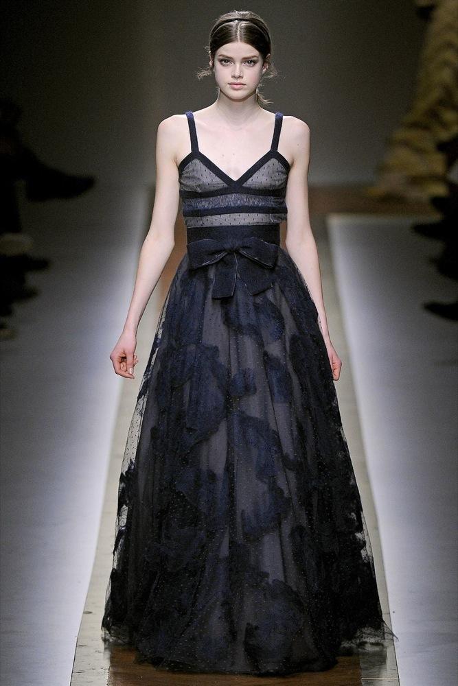 Foto de Valentino Otoño-Invierno 2011/2012 en la Semana de la Moda de París: la moda está triste (14/23)