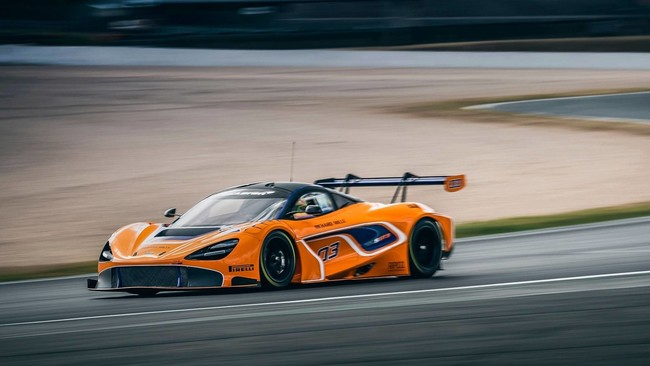 McLaren 720S GT3, basado en el de calle, pero fabricado para las carreras