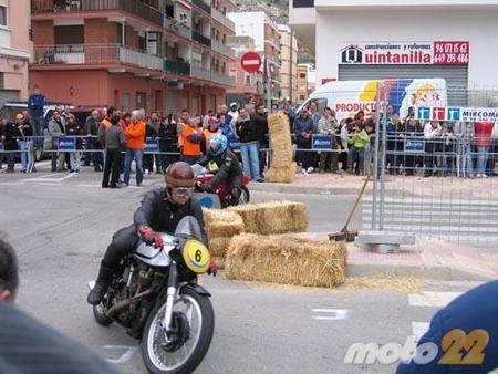 Motos clásicas en Cullera, la crónica de unas carreras clásicas en circuito urbano