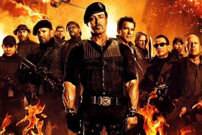 Los protagonistas de Los Mercenarios 2 posan para el cartel
