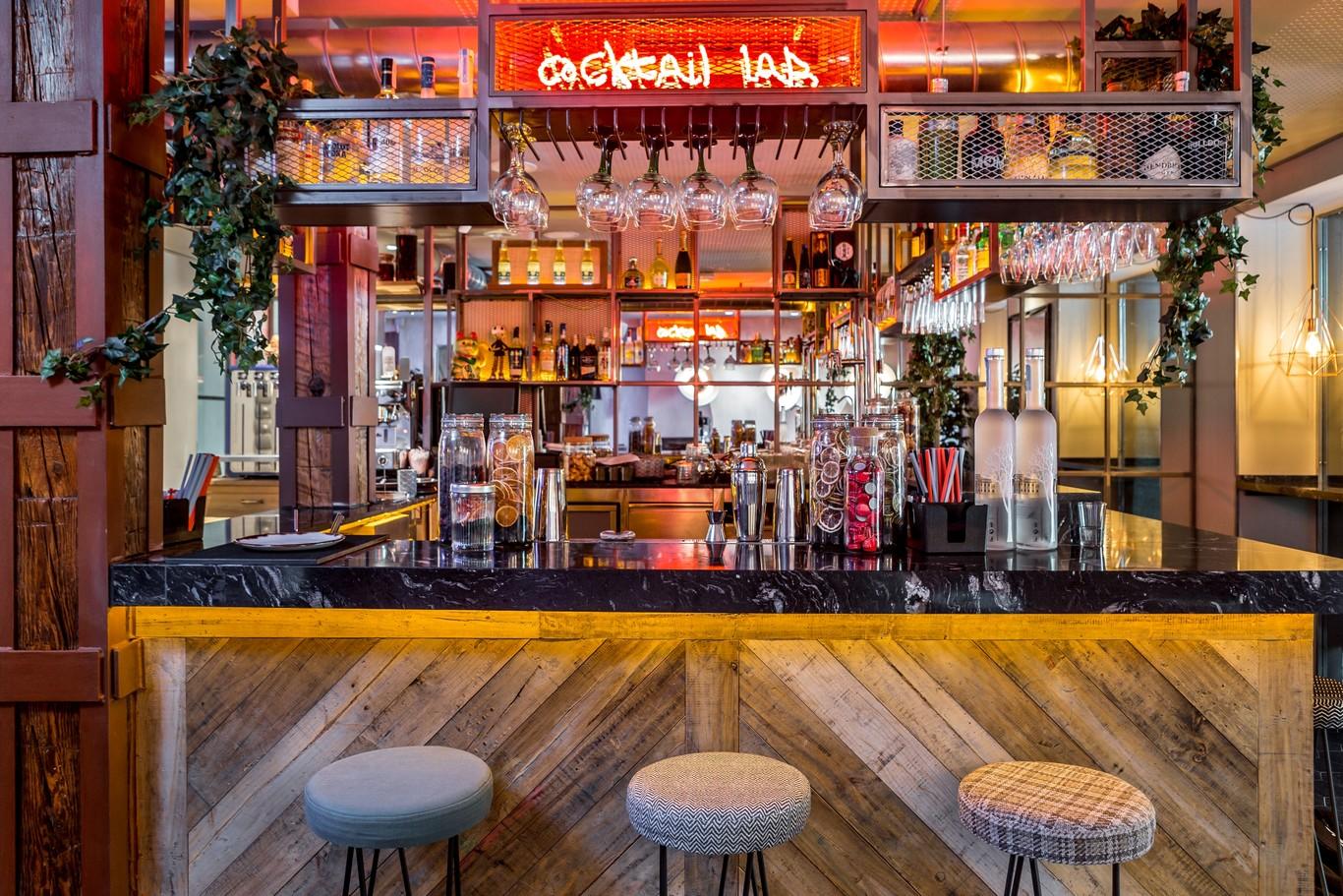Cada Temporada Madrid Se Renueva Aquí Están Los 15 Restaurantes De Moda Del Momento