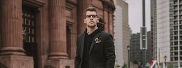 El hoodie negro: la prenda clave con la que se conquista el mejor street-style esta semana