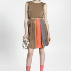 Foto 7 de 23 de la galería uterque-nuevo-lookbook-primavera-verano-2011-entre-el-color-el-minimalismo-y-la-playa en Trendencias