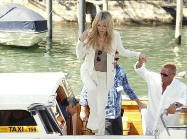 Kate Hudson de blanco en el Festival de Venecia... copia su look