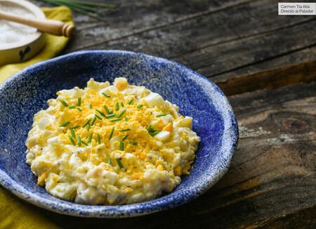 ensaladilla de patata y huevo con limón y mostaza