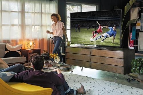 Las teles grandes son cada vez más baratas pero, ¿merecen la pena para el uso diario o solo para ver cine?