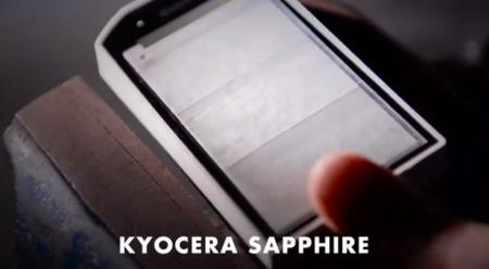 Kyocera apuesta por el cristal de zafiro