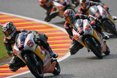 Los pilotos del Red Bull MotoGP Rookies Cup al KTM Festival