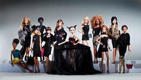 Subasta benéfica de muñecas Barbie diseñadas por la CFDA