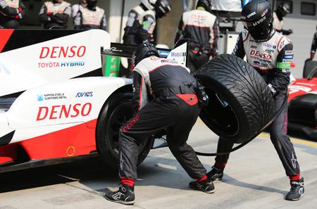¿Qué debe el neumático de tu coche a los de competición?