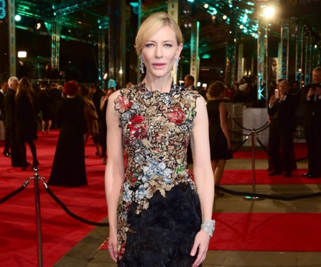 Cate Blanchett luce primaveral con un vestido de Alexander McQueen en los BAFTA 2016